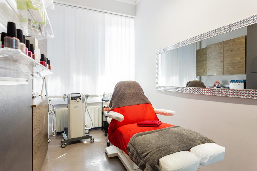 Die Schönheitschirurgin Dr. Sabine Apfolterer Ordi Wien 2