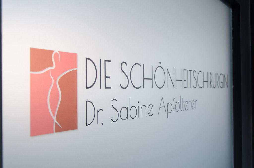 Dr. Sabine Apfolterer - Praxis Tür